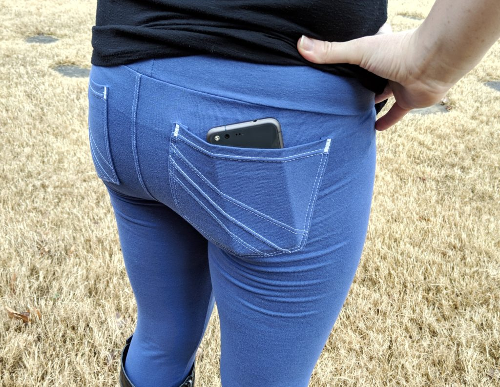 Leggings with back pockets